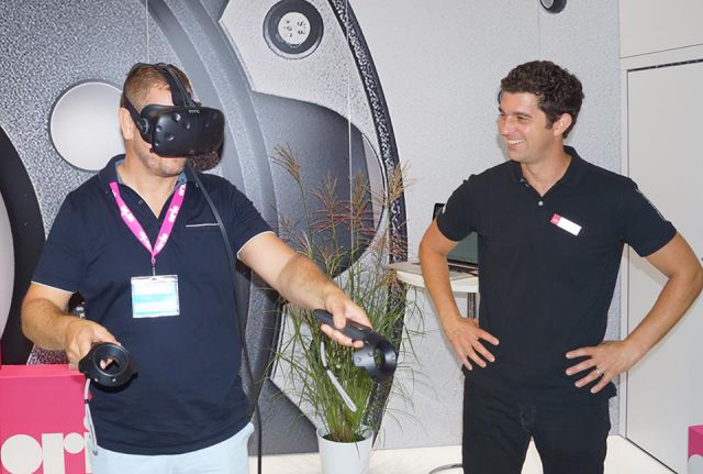 Virtual reality at the Orio booth at Automechanika