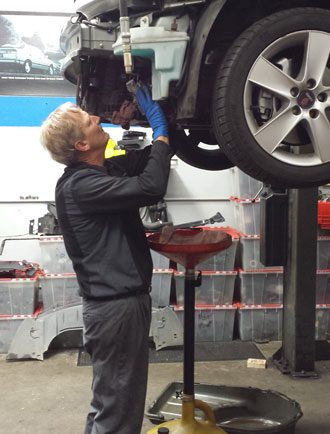 A Service Technician at Scanwest